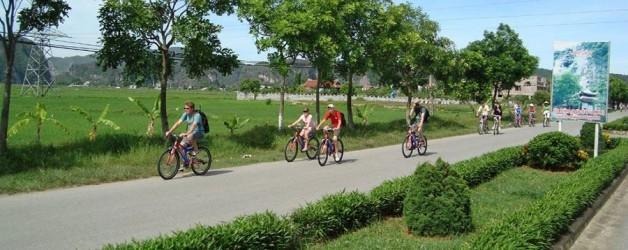 Hoa Lu – Tam Coc 1 day trip